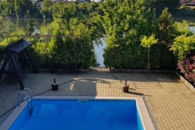 Inchiriere vila Balotesti piscina si gradina